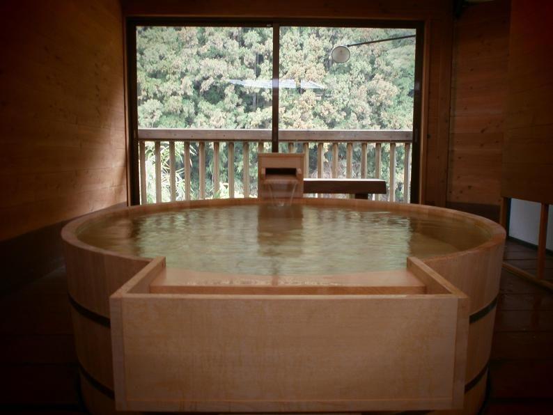全棟に様々な露天風呂が付いて ...