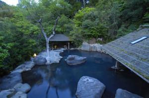 kokunai_OSA_黒川_やまびこ旅館 露天風呂[1]